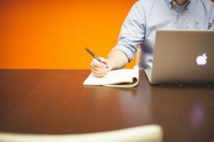 Comment bien rédiger votre page entreprise pour votre site e-commerce?
