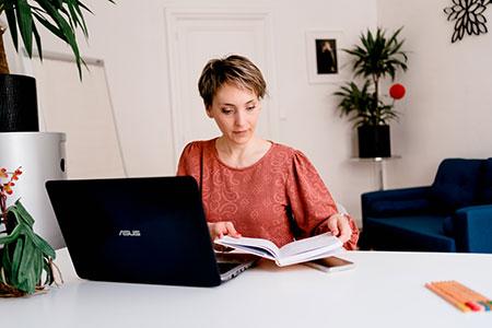 Virginie Rezé - auteure du livre blanc comment plaire à mes clients et à Google